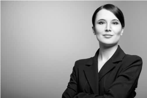 Tipps für ein schwarz weiss bzw. graustufen Bewerbungsfoto professioneller Natur.
