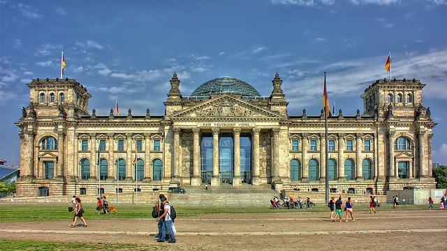 Moving to Germany can be tough so consider the tips depicted to facilitate your moving process.